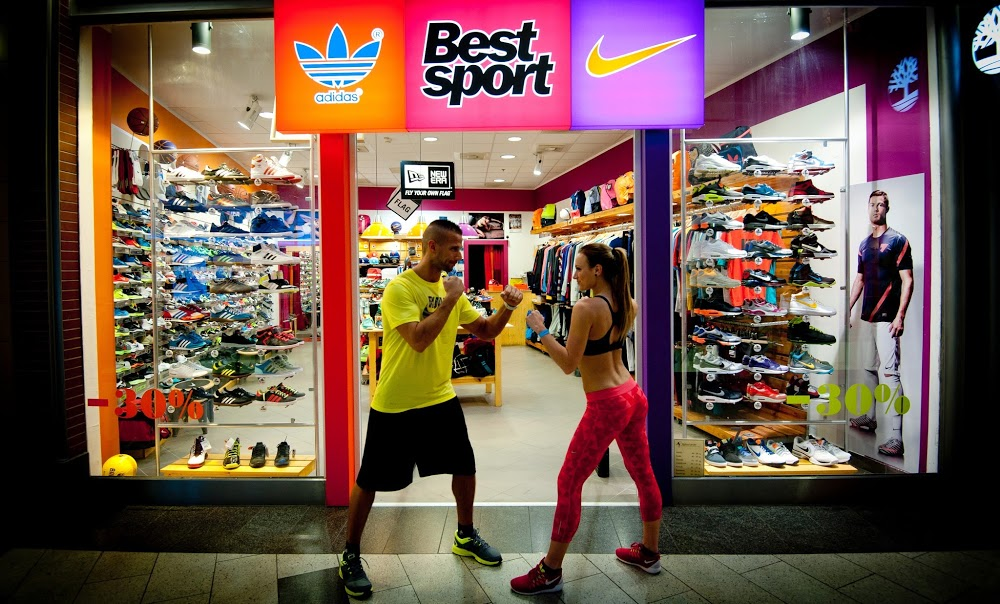 Adidas-Nike Sportbolt - Vásárlókönyv.hu 2b827bc9f7